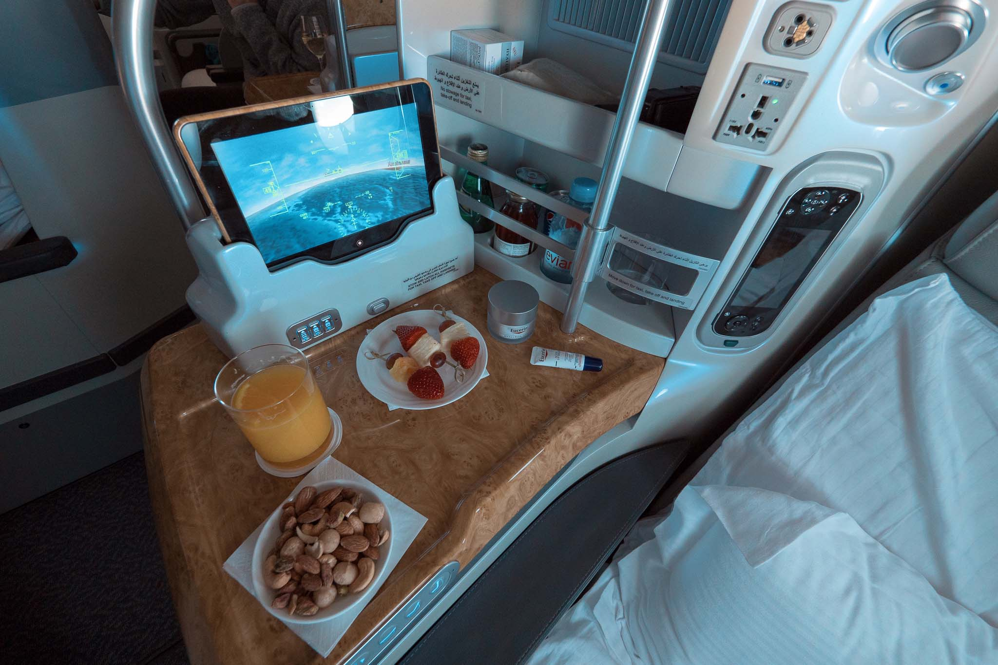 A380 emirates business class