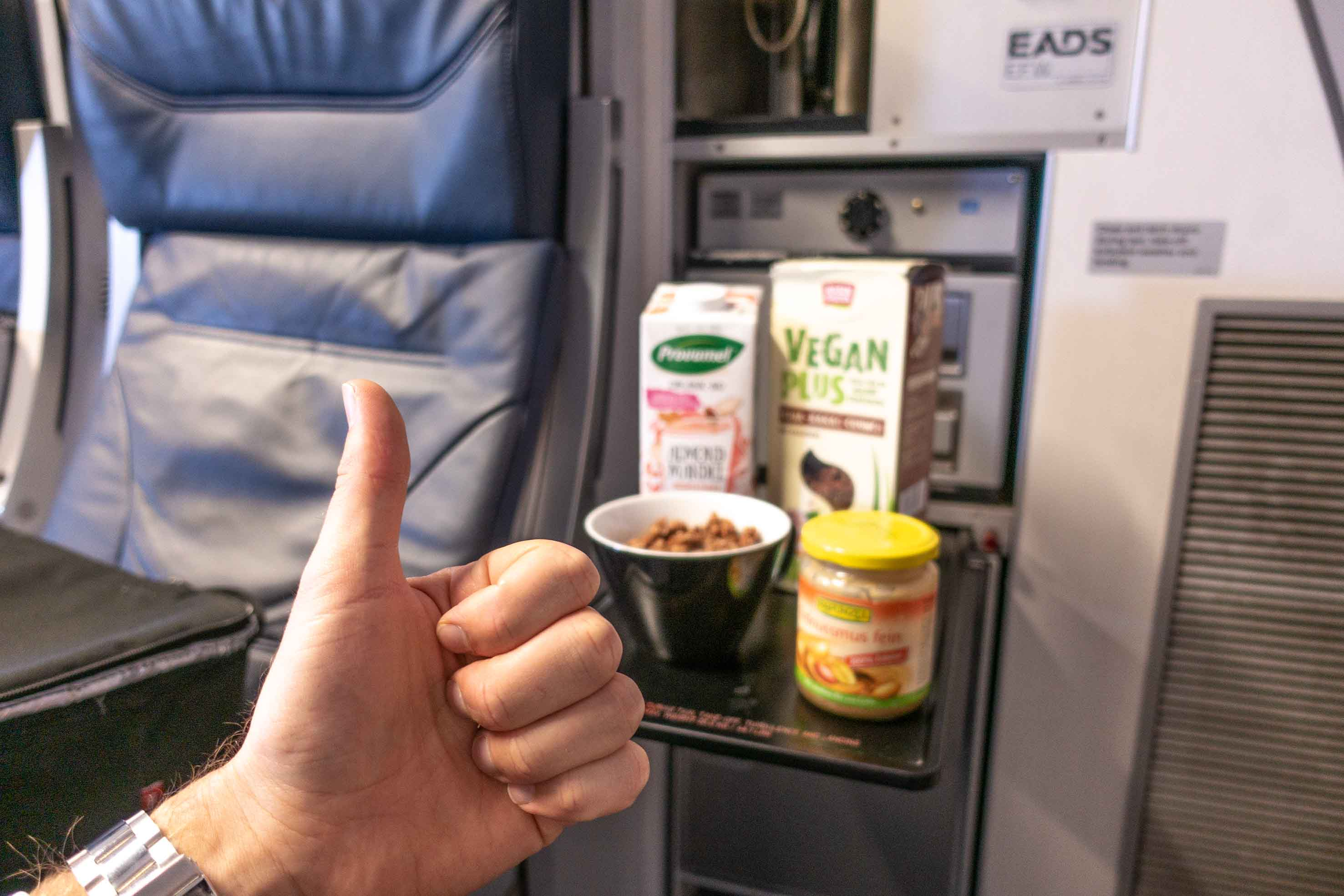 healthy food while traveling