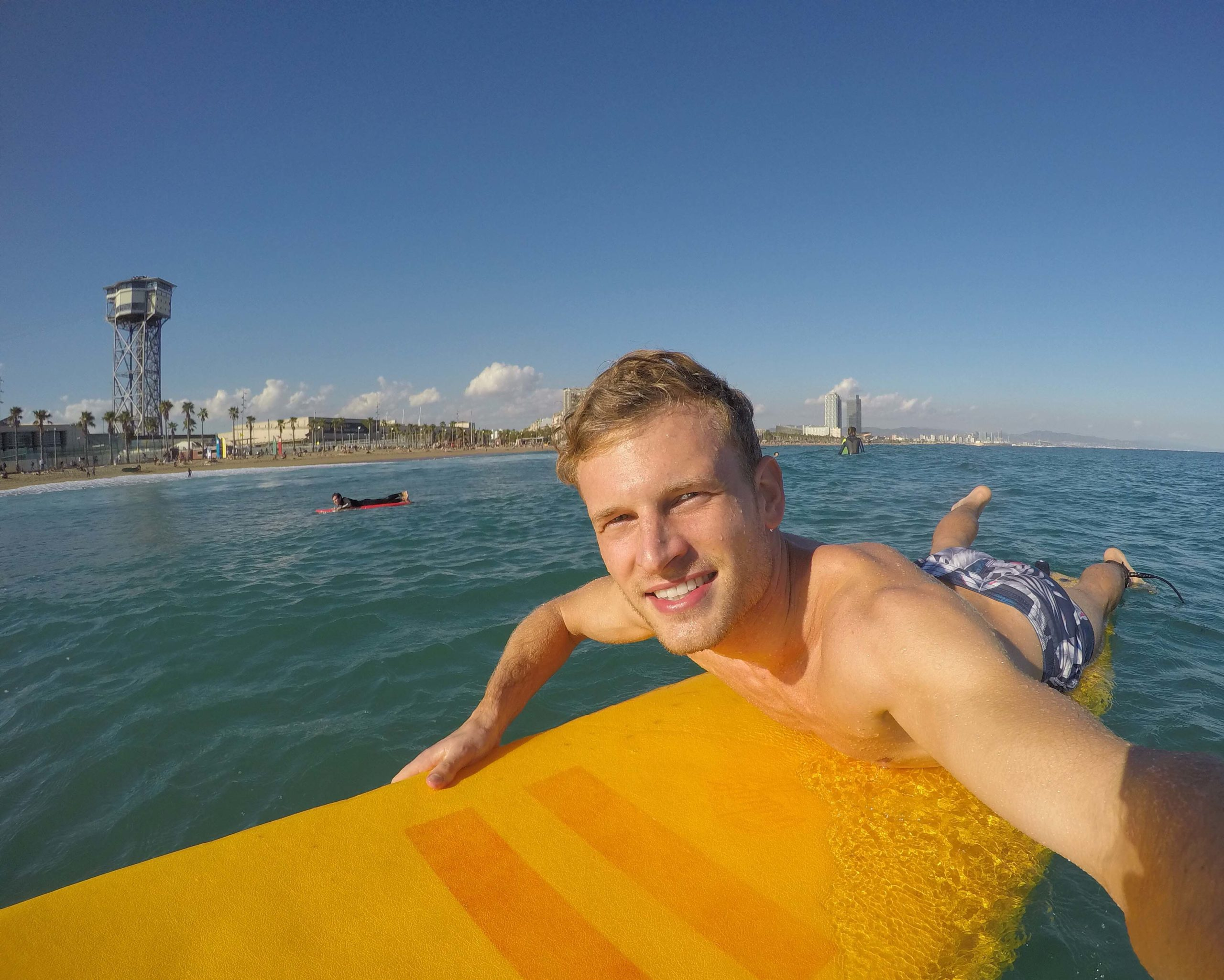 pilot patrick surfing in Barcelona
