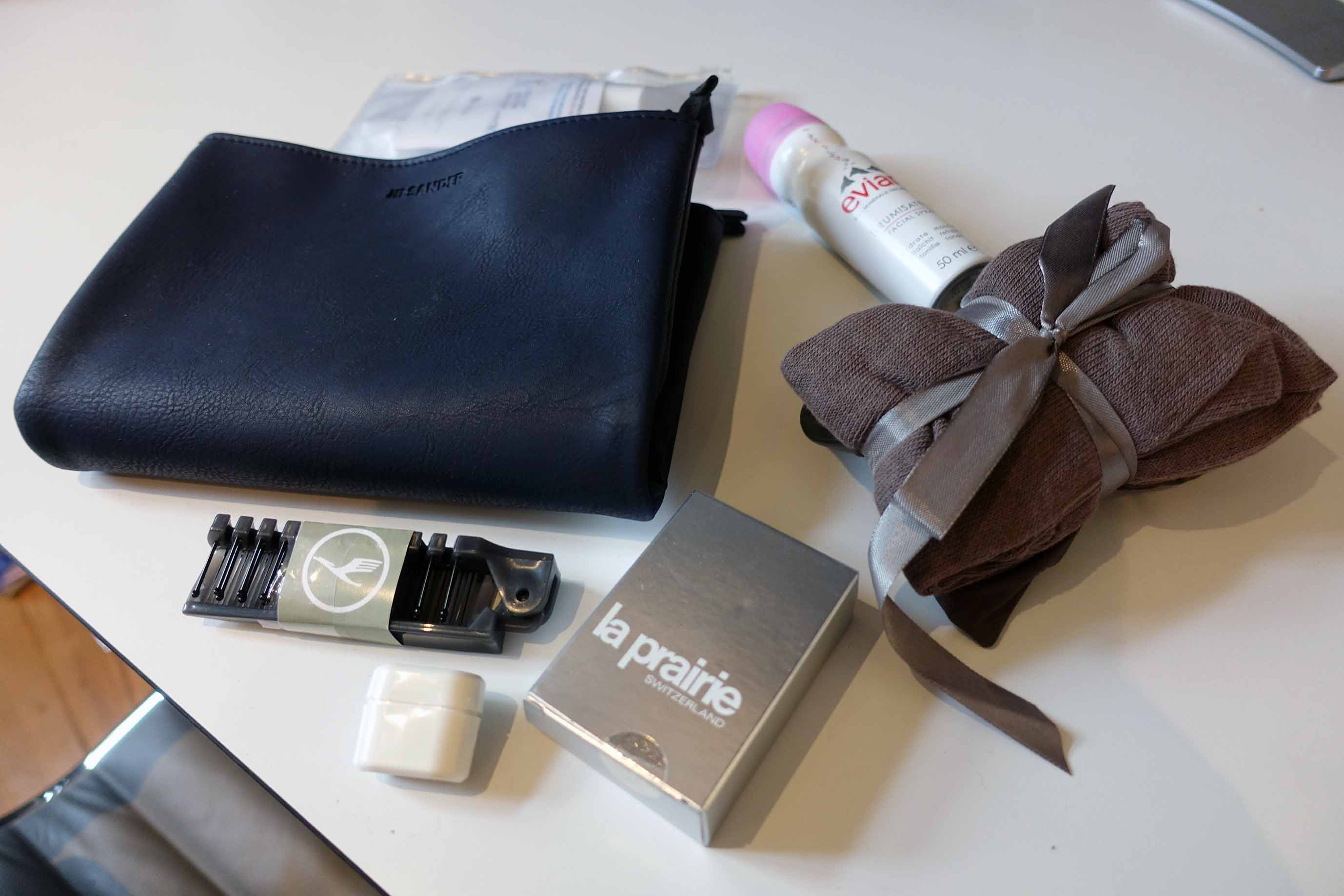 amenity kit lufthansa