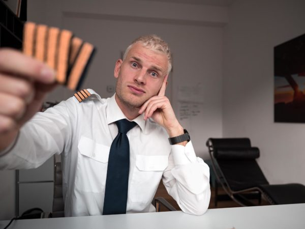 differences between Captain and First Officer